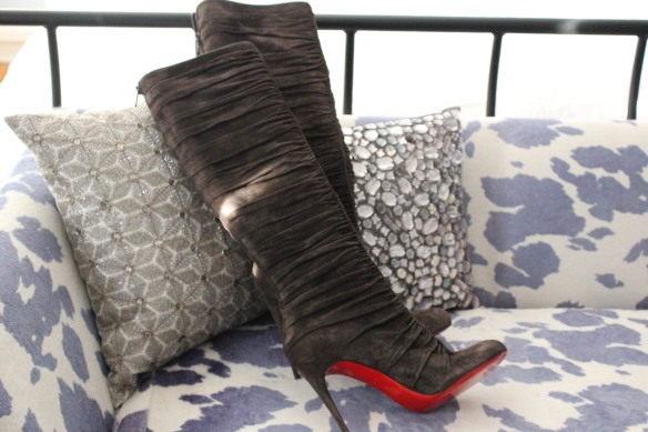 shoe-miracle-christian-louboutin-grey-boots