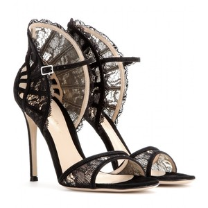 shoe-miracle-gianvito-rossi-lace-sandal