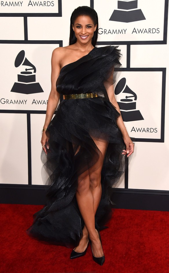 shoe-miracle-ciara-grammys-red-carpet