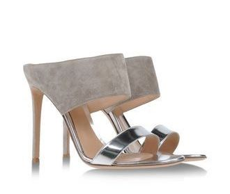 shoe-miracle-gianvito-rossi-silver-mules