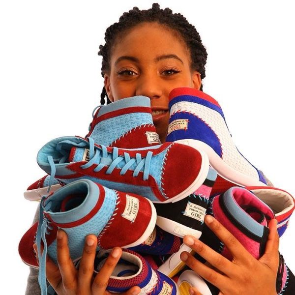 shoe-miracle-mone-davis