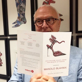 shoe-miracle-manolo-blahnik-FIT-couture-award